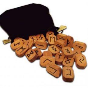 Runas de madera