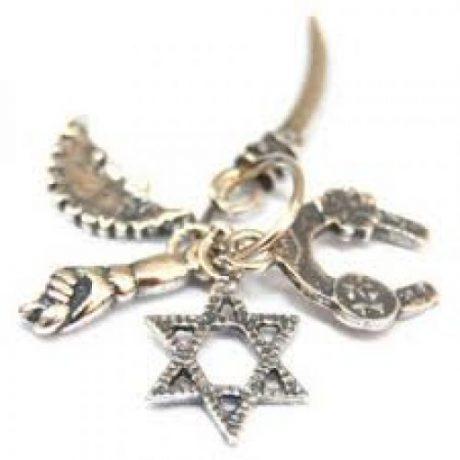 Colgante cinco amuletos