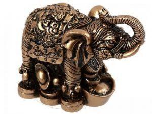 Elefante con lingotes
