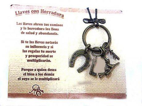 Amuleto llaves con bruja