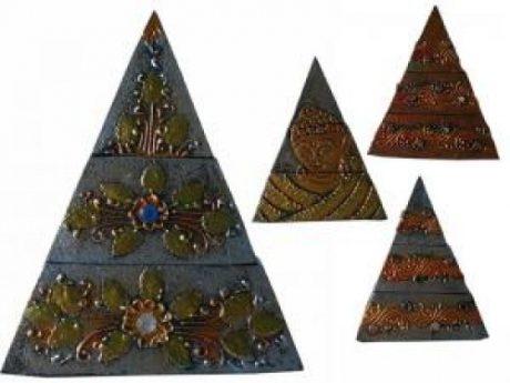Pirámide deseos madera