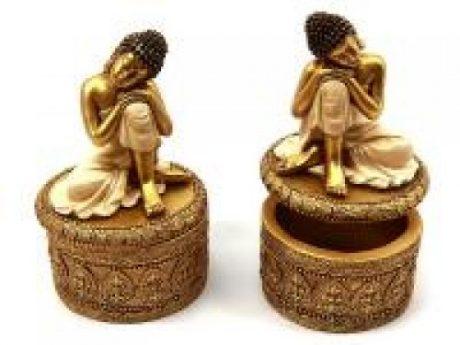 Caja buda meditando