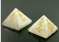 Piramide cuarzo reiki